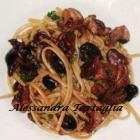 Linguine con moscardini e olive