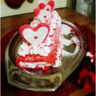 Rotolo Red Velvet con panna e fragole