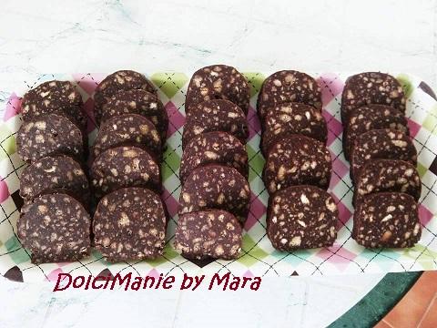 Salame Dolce al Cioccolato e Biscotti