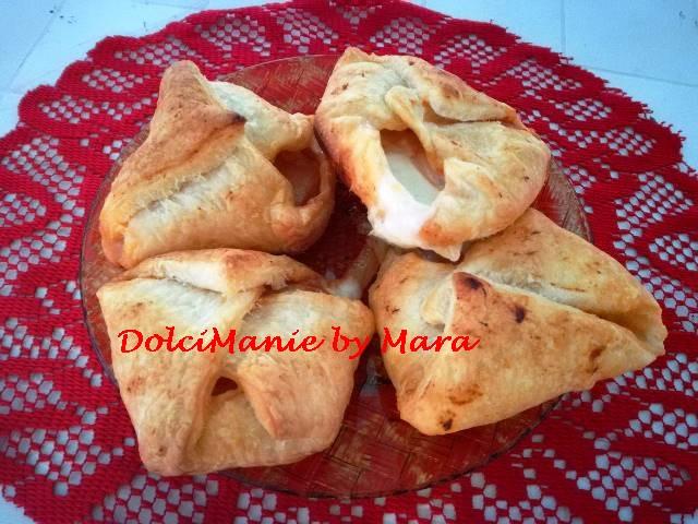 Fagottini di Sfoglia con Cipollina e Mozzarella