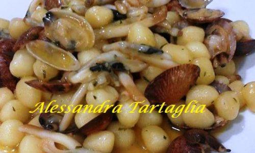 Gnocchi di Patate con Vongole e Cannolicchi