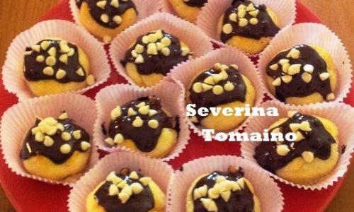 Finti Bignè di Ricotta con Cioccolato Fondente