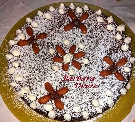 torta con noci e mandorle