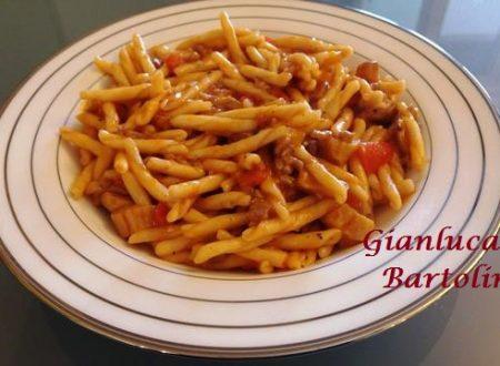 Trivellini con Porcini Salsiccia e Peperoni