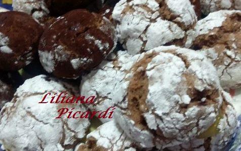 Biscotti al Cioccolato e Granella di Nocciole
