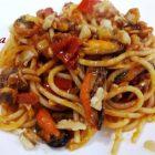 Spaghetti con Cozze Vongole e Noci