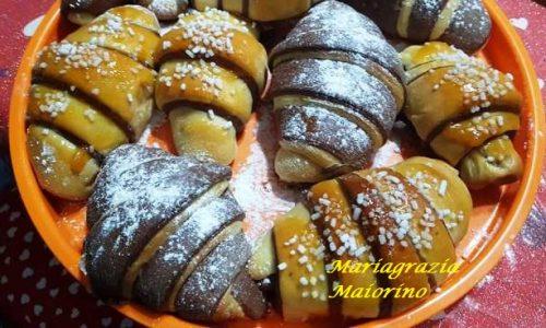 Cornetti Bicolore con Marmellata e Nutella
