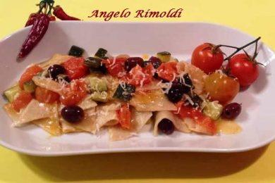 Maltagliati Caserecci con Olive Nere e Pomodorini