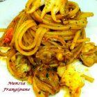 Spaghetti con Bisque di Crostacei Seppie e Telline